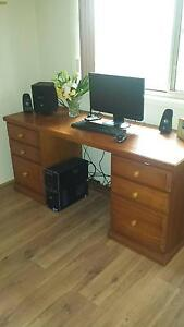 wooden desk Metford Maitland Area Preview
