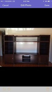 Tv unit 200$ if pick up today West Island Greater Montréal image 1