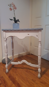 GORGEOUS HALL SIDE TABLE Eastwood Ryde Area Preview