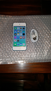 Apple iPod Touch 5th Generation 32gb Blue Brooklyn Park West Torrens Area Preview