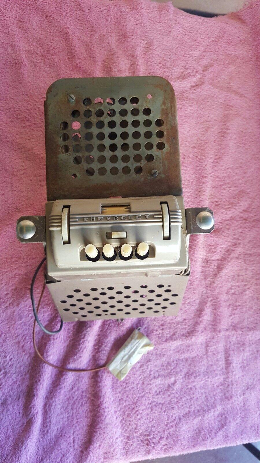 Photo 1939  CHEVY TRUCK DASH RADIO
