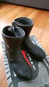 Men Motorbike boots Size 42 (9.5 Aus) Elwood Port Phillip Preview