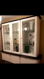 MOVING SALE!!!!!!  CABINET / HUTCH