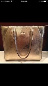 Guess Purse *Price Reduced*