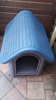 Plastic dog kennel Petersham Marrickville Area Preview