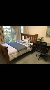 Burwood east room for rent near deakin