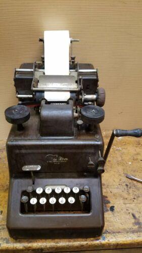 Vintage Dalton adding/calculating machine