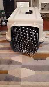 Play mates medium dog/cat carrier Balmain Leichhardt Area Preview
