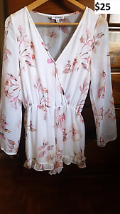 Women's clothing. Sizes 8/10, XS/S. Childers Bundaberg Surrounds Preview