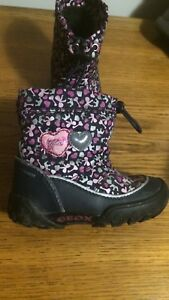 Winter boots 3 pairs baby girl like new
