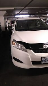 Toyota Matrix 2011 White for sell