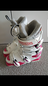 Women's ROSSIGNOL SKI BOOTS Rhodes Canada Bay Area Preview