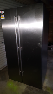 610L Stainless steel side by side fridge  WSE6100SF Hoppers Crossing Wyndham Area Preview
