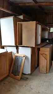 American oak timber kitchen second hand Smythesdale Golden Plains Preview