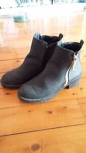 Womans boots size 8 Stockton Newcastle Area Preview