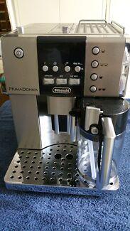 De Longhi Primadonna Deluxe ESAM Coffee Machine  Moorebank Liverpool Area Preview