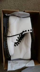 White Doc Martens, Only worn once!! Size EU40/UK6.5 /US 8.5 Beaumaris Bayside Area Preview