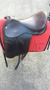 Brown English saddle for sale Berkeley Vale Wyong Area Preview