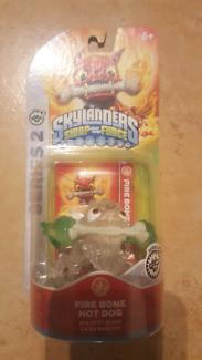 Skylanders Crystal Clear Green Firebone Hotdog