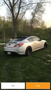 2010 genesis coupe R- Spec  only 100km