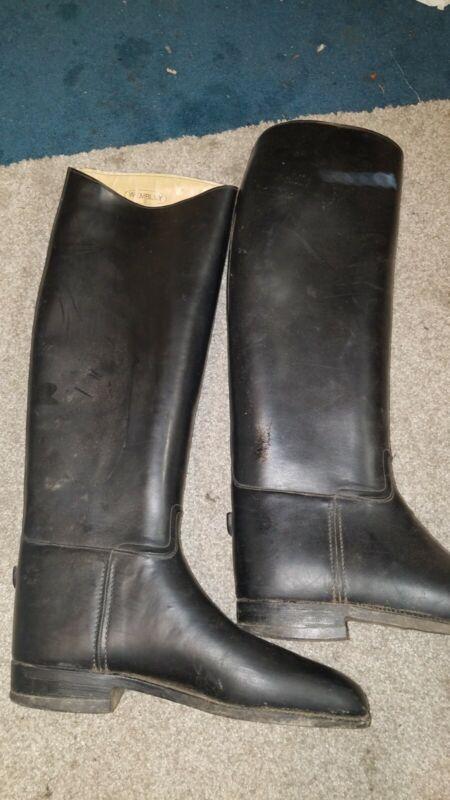 Wembley boots