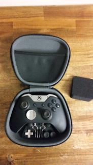 Xbox One Elite Control  (immaculate!)