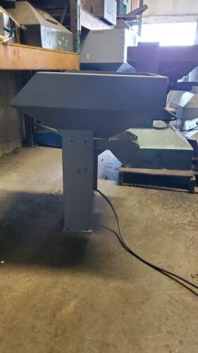 Vibratory Bulk Parts Feeder / Vibratory Hopper