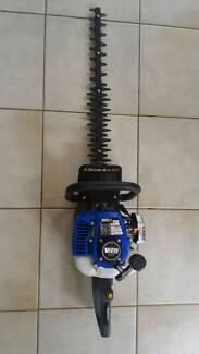*Almost NEW* Victa 2 Stroke Petrol Hedge Trimmer