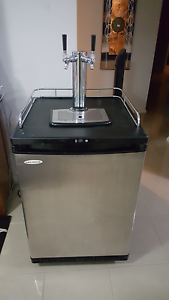 $800 firm Twin tap kegerator complete setup. Berkeley Vale Wyong Area Preview