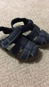 Size 6 toddler sandals