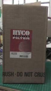 TOYOTA 1993 etc. HIACE  VAN   2.4L  PETROL   AIR FILTER  NEW - UNUSED.