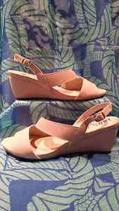 Wedge sandles  size 8 Figtree Wollongong Area Preview