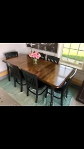 Beautiful Harvest Solid Wood Dining Table 6 Chairs
