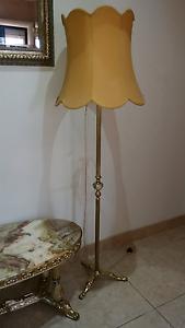 Antique Floor Lamp, Brass Base Guildford Parramatta Area Preview