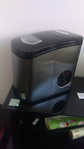 Aquaport Ice  maker used once retails for 350 new!!! Ellenbrook Swan Area Preview
