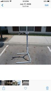 Used Park tool bike repair stand
