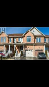 3 bedroom townhome for rent in Bradford
