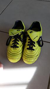 Lotto soccer boots Morisset Lake Macquarie Area Preview