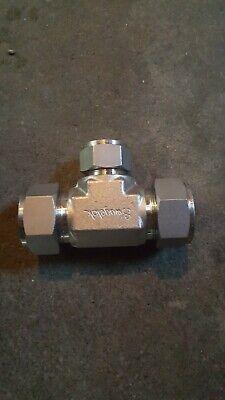 New. 1x 34 Swagelok Stainless Steel Reducing Tee.