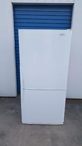 Large Westinghouse Fridge Freezer ( 500 litres ) Cranbourne Casey Area Preview