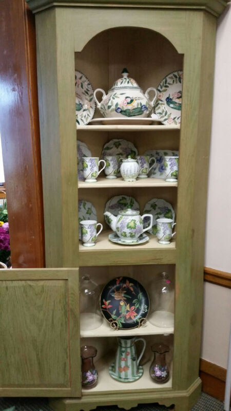New Handmade in New England Arched-top Corner Cupboard
