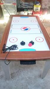 Pool table and elecrric air hockey. Ingle Farm Salisbury Area Preview