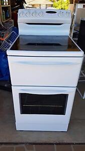 Electric oven and cook top Glenmore Park Penrith Area Preview