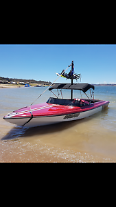 Cassell ski boat Royalla Queanbeyan Area Preview