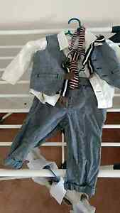 Boys suit. White shirt dark blue size 0. Tie shirt , vest pants. Morley Bayswater Area Preview
