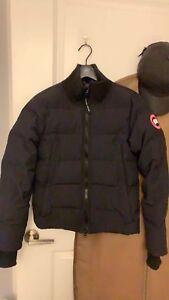 Almost brand new Canada Goose XS woolford jacket fusion fit