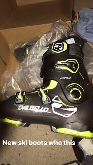 Brand New Dalbello Aspect 90 Ski Boots (27.0 size)