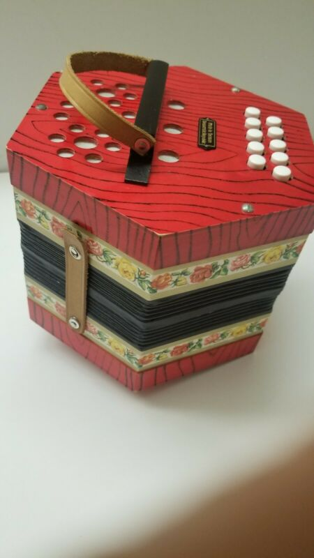 German Concertina Accordian Squeeze Box Red Wood Grain Flower Design Works!