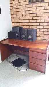 Stereo and wooden desk Eleebana Lake Macquarie Area Preview