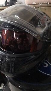 Snowmobile helmet with drop down sun visor Large